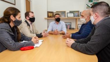 El intendente Biss recibió a representantes de la empresa Perrén.