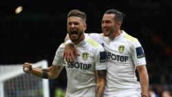 Viniendo de atrás, el Leeds rescató el primer punto en la Premier.