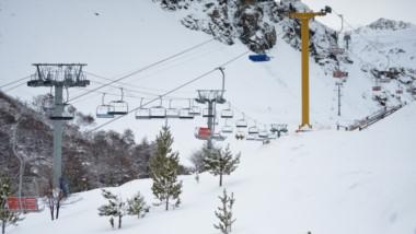 El Centro de Actividades de Montaña La Hoya cerró sus puertas por las fuertes lluvias y nevadas.
