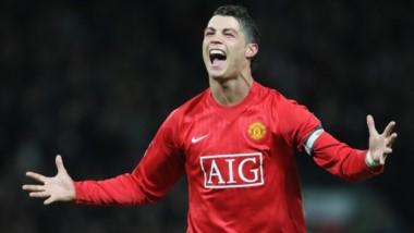 Y cuando todos dejaron de creer en el amor a los colores, Cristiano Ronaldo vuelve al Manchester United como leyenda para romper la sequía de 8 años sin título de liga.