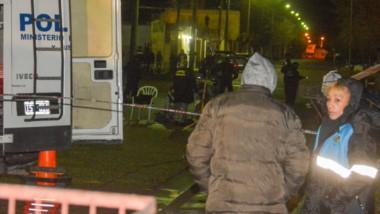 Personal de Fiscalía y de la División Criminalística trabajaron arduamente en la escena del crimen.