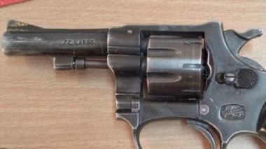 El revolver Galand calibre 22 que fue encontrado por la Policía.