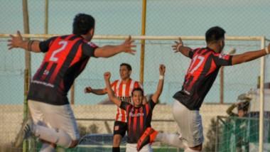 Independiente venció a Racing Club en el último suspiro y comanda la Zona B del Apertura 2021.