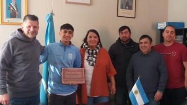 """""""Coco"""" Muñoz fue recibido por Limarieri y recibió el reconocimiento."""
