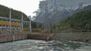 La presa de Hidroeléctrica Futaleufú, en  cercanías a Trevelin. En 2025 se termina el contrato de concesión.