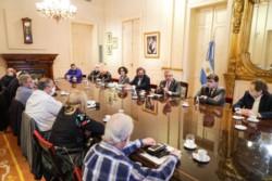 Fernández recibió en el Salón Eva Perón de Casa Rosada a las autoridades de la Confederación General del Trabajo (CGT).