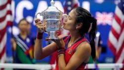 Locura absoluta lo de Emma Raducanu , que se consagró campeona del #USOpen viniendo desde la qualy.