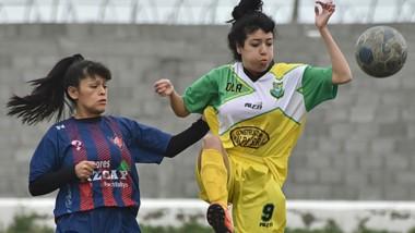 Alianza Fontana Oeste vapuleó por 10-1 a La Ribera en El Tehuelche para comanzar la Zona A del torneo.