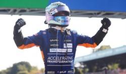 Desde el 2010, McLaren no ganaba un GP. Daniel Ricciardo se lleva el triunfo en Monza.