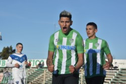 La Ribera se hizo fuerte de local y aplastó 5-0 a El Parque, para continuar segundo.
