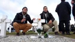 La familia del cabo primero -post mortem- de Gendarmería Carlos Misael Pereyra, otro de los excombatientes de Malvinas identificado.