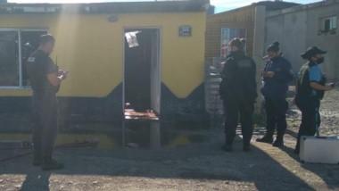Personal policial llegó para constatar que no hubiese personas en riesgo. Bomberos confirmó qué pasó.