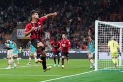 Milan también lidera la Serie A.