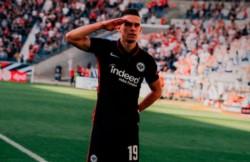 Luego de varios meses, Rafael Santos Borré marcó su primer gol con la camiseta de Eintracht Frankfurt.