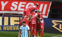 El equipo que dirige Gabriel Milito le ganó al de Úbeda, profundizando la crisis de la Academia.