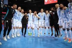La Selección argentina y un bombazo histórico: venció a Brasil (cinco veces campeón del mundo en futsal) y se mete una vez más en la final.