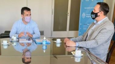 Gestiones. Desde la izquierda, Yauhar, Martínez y Maderna durante el encuentro en Capital Federal.