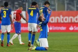 Le faltó contundencia a La Roja. Pese al resultado final, muy bien Vidal y Aránguiz. No fue la noche de Neymar.