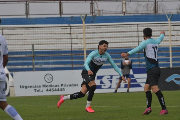 Matías Ruiz Díaz, a los 10 minutos del primer tiempo, marcó el tanto de la victoria.