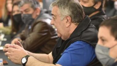 González de Luz y Fuerza expuso durante el encuentro en Fontana 50.