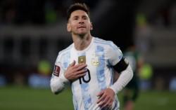 Lionel Messi lideró la victoria de la 'albiceleste' sobre Bolivia con 3 goles y superando la marca de Pelé.