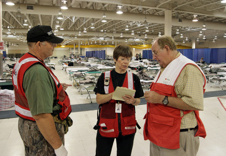 Fema   38909   red cross meeting in an emergency shelter in texas