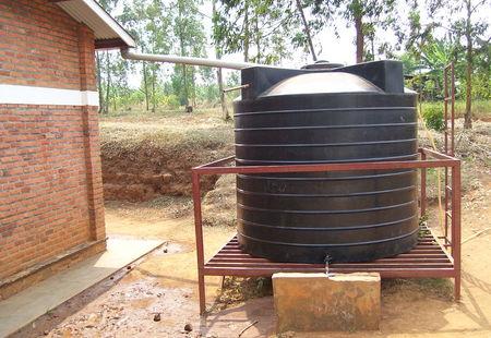 Rainwater harvesting tank %285981896147%29