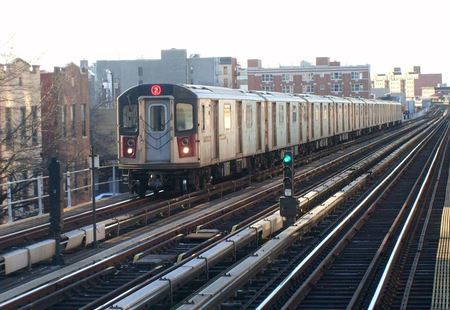 R142 2 train at 174th street