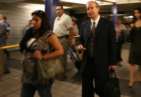 Commuters.mta.nyct.timessquare.nyc.10september2007