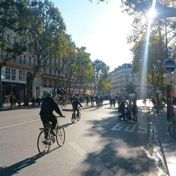 Journe%cc%81e sans voiture  rue due temple  paris