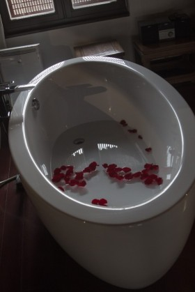 Petal-powered tub
