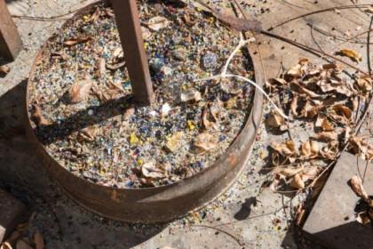 Glass blowing detritus