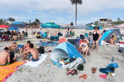 Crowd at Moonlight Beach