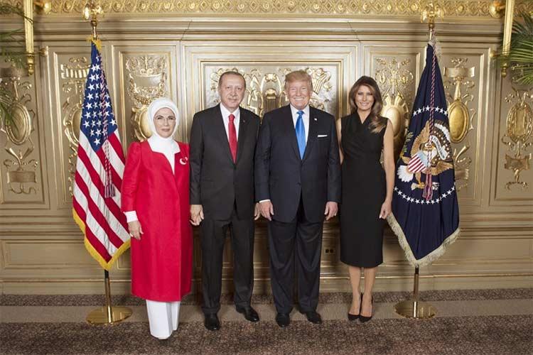 Erdoğan-Trump görüşmesine Türkiye Bayrağını temsilen Emine Erdoğan katıldı.