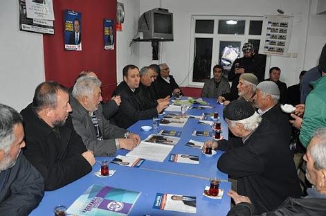 Erdoğan'la yapılan toplantıdan dönen Bayburt Yoncalı Köyü muhtarı, Rusya'ya uygulayacakları yaptırımları belirlemek üzere azalarını olağanüstü topladı...