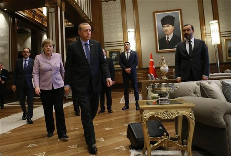 Dış mihraklara arkasını dönen Erdoğan, güçlü Türkiye mesajı verdi...