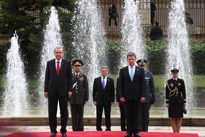 """Erdoğan: """"Ne biçim saray!"""""""