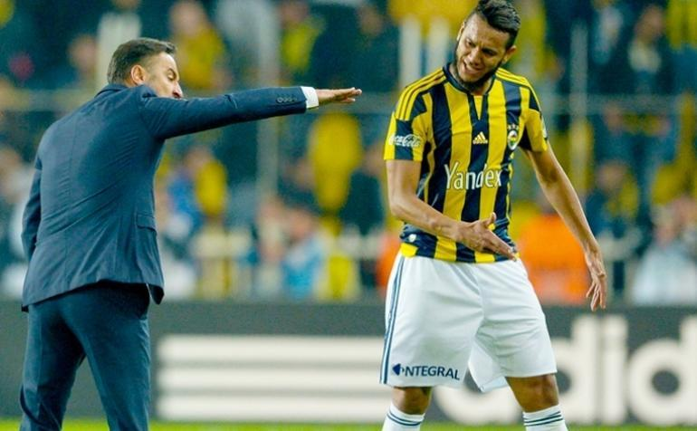 """Pereira: """"La olum, adamın boyu köşe direği kadar, sen hala kafa vuramıyon!"""""""