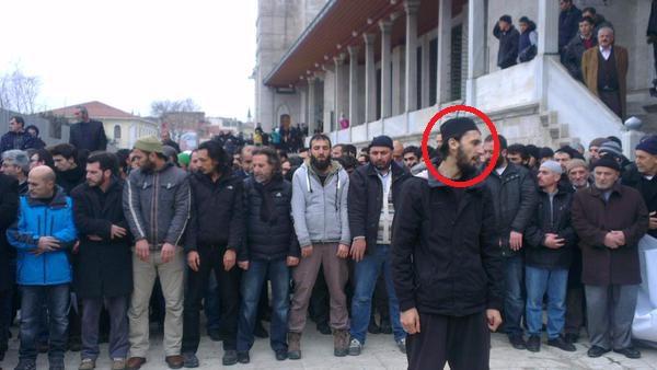 İstanbul'da Kouachi Kardeşler için kılınan gıyabi cenaze namazında görüş ayrılığı.