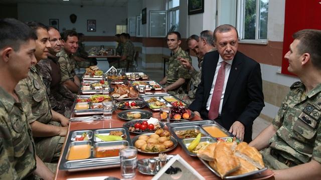 """Erdoğan: """"Önce sen ye."""""""