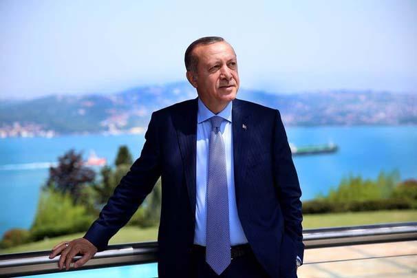 Recep Tayyip Erdoğan, yeni albümünün kapak fotoğrafı için kamera karşısına geçti...