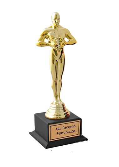 Oscar Heykelciği (En İyi Kadın Oyuncunun elinden aldım)