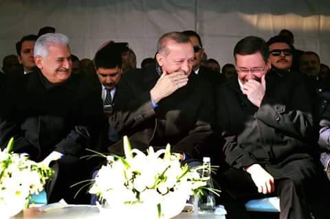 Şu sağımdaki var ya kendini gerçekten başbakan sanıyor...