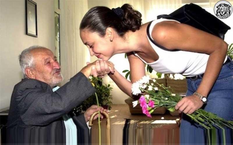Teltutarlar Ailesi, 26 Yıl Önce Evlerine Çağırdıkları Ustayı Emekli Etmenin Sevinç ve Hüznünü Bir arada Yaşadı...