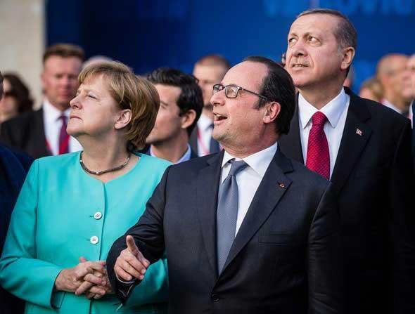 """Erdoğan: """"İnşallah bizimkiler bunu da düşürmezler, işin yoksa bir de bunlardan özür dile."""""""