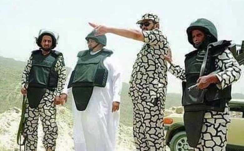 Yemen cephesini teftiş eden Suudi komutanın, acıkınca zebra zannettiği iki yaverini yediği bildirildi.