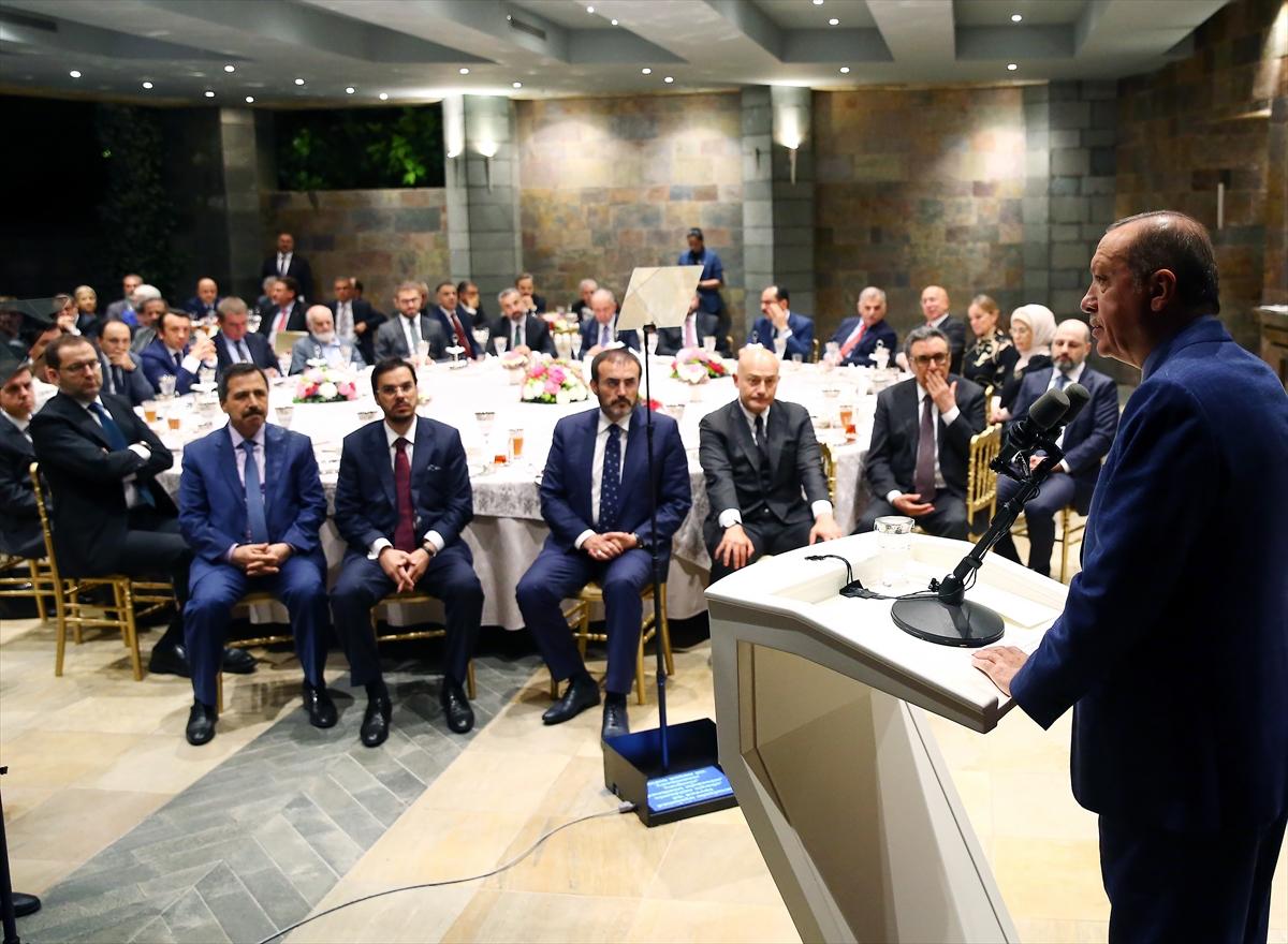 """Erdoğan'ın """"Özgür Basın ve Türkiye"""" konulu konferansına Basın'dan ilgi büyüktü..."""