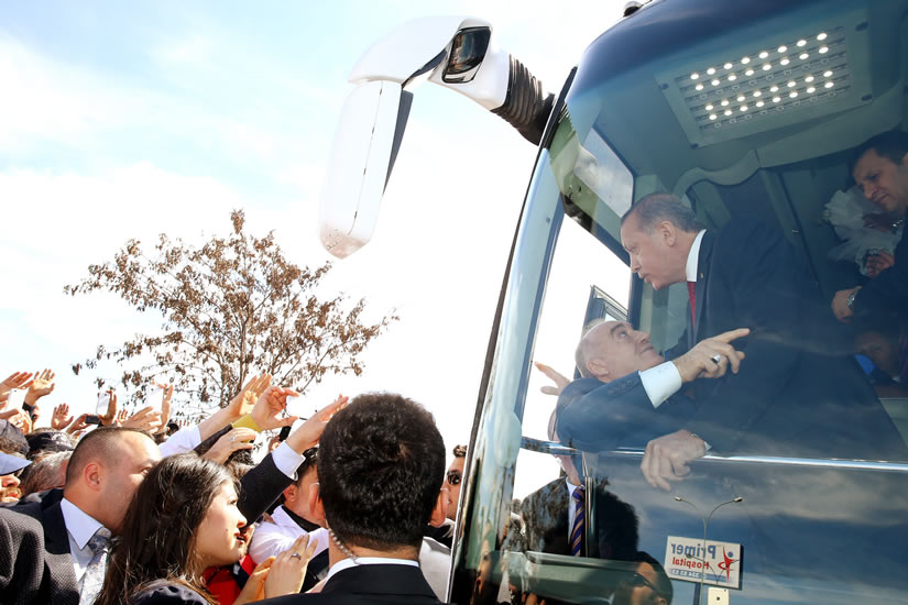 Gaziantep'ten 400 milletvekilini almadan gitmem diyen Erdoğan'ı ikna çabaları sürüyor...