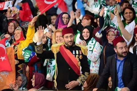Akparti kongresine katılan Tosun Paşa, Yeni Türkiye'nin yüzü oldu.