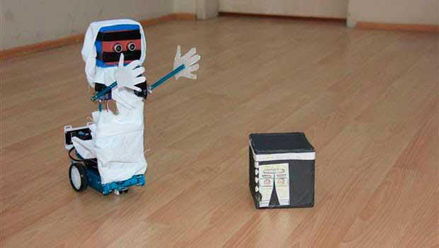 TÜBİTAK, hacıların yerine tavaf edecek robot çalışmasında sona gelindiğini duyurdu.